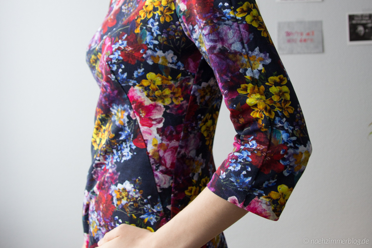 Pattern Matching on the Sleeve: Françoise Dress | naehzimmerblog.de