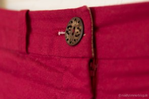 Laser-cut button on Burda Easy Shorts| naehzimmerblog.de