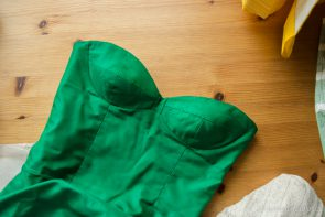 Green Silk Bombshell Dress Sneak PeekVitamin D Cardigan Work in Progress for the 2016 Outfit-Along | naehzimmerblog.de