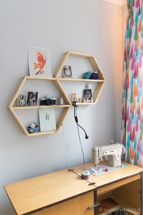 Handmade Honeycomb Shelves in my Sewing Room | naehzimmerblog.de