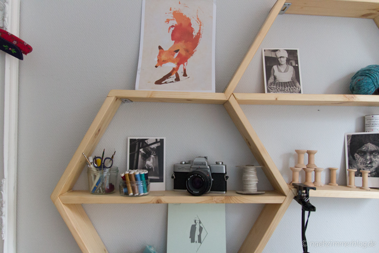 Closeup of the Handmade Honeycomb Shelves in my Sewing Room | naehzimmerblog.de