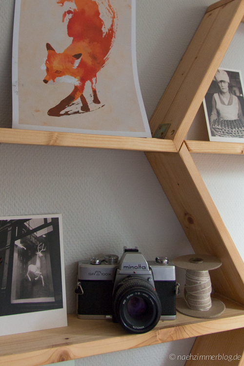 Decorated DIY Honeycomb Shelves | naehzimmerblog.de